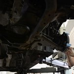 Az autószerelőket és a masszőröket is online pénztárgépre köthetik