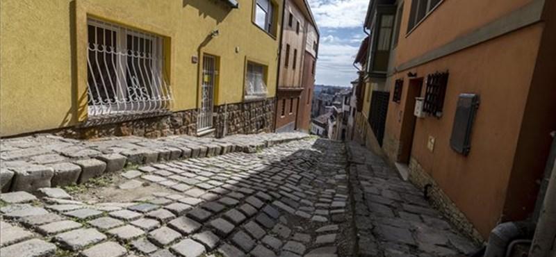 Beszállnak a törökök Gül Baba türbéjének felújításába