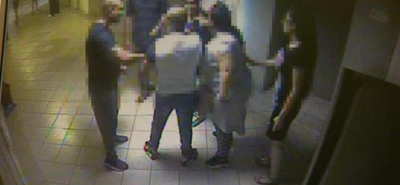 Felfüggesztettet kaptak az ököllel megütött pesterzsébeti tanítónő támadói