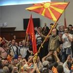 Lemondott a macedón belügyminiszter a véres parlamenti éjszaka után