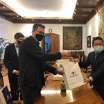 300 ezer maszkot kap Budapest Tajvanból