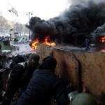 Botos suhancok, futballultrák, EU-párti radikálisok – kik csinálják a háborút Kijevben?