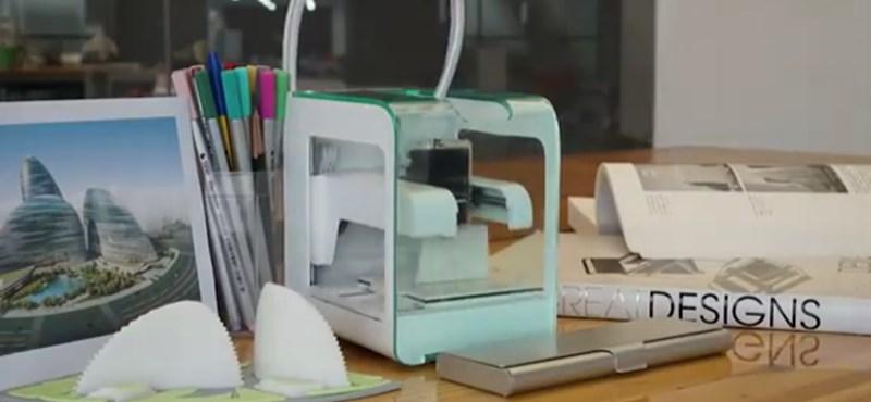 Végre bárki íróasztalán ott lehet a kicsi, olcsó 3D nyomtató