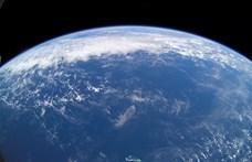 Bajban az élővilág, sokkal gyorsabban melegednek az óceánok, mint hittük
