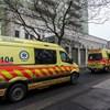 Bevett 30 nyugtatót, majd rátámadt a mentőkre