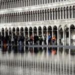 Velencében sorompókkal vetnek véget a turistaáradatnak