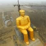 Fotók: gigantikus Mao-szobor őrzi a kínai pusztát