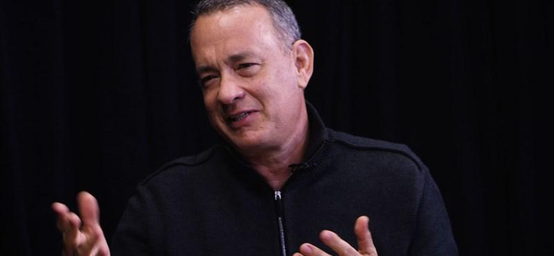 Tom Hanks harmadszor ajándékozott kávégépet a fehér házi újságíróknak