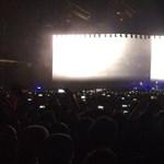 Itt a U2 új kislemeze és hozzá egy szöveges videó