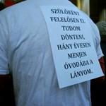 Elkéstek a tiltakozók: már alá is írta Schmitt a köznevelési törvényt