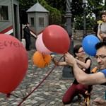Így tiltakoztak a Taigetosz-törvény ellen a Sándor-palota előtt: képek