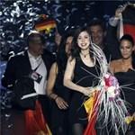 A kivillanó mellbimbó sem kezdte ki a német popüdvöske megítélését