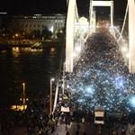Második alkalommal tüntetnek az internetadó ellen - Nagyítás-fotógaléria