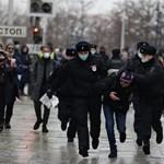 Foreign Policy: Az autokraták lépésenként végzik ki a demokráciát