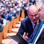 19 százalékkal Navracsics a legrosszabb uniós biztos