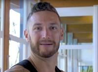 Egerbe viszi edzeni úszóit Shane Tusup