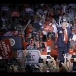 Trump lecserélte kampánymenedzserét