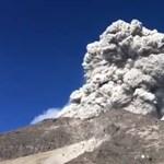 Gyanútlanul főzőcskéztek, egyszer csak kitört felettük a vulkán – videó