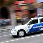 Tűzoltók vágták ki autójából a 67-esen karambolozó sofőrt