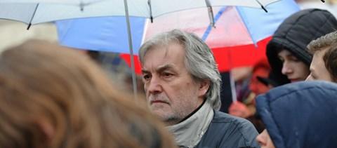 Csúnyán elbánt az idős tanárokkal a kormány a PDSZ szerint