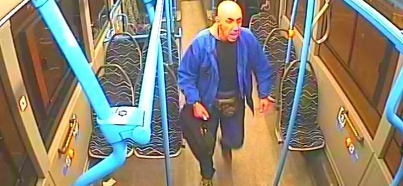 Ez a férfi őrjöngött a 9-es buszon