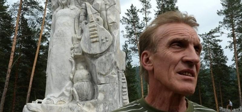 Tudta? John Lennon legfurább szobra egy világvégi orosz városban van