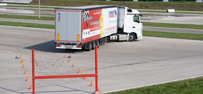 Migránskeresés volt a feladat egy hazai kamionversenyen