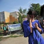 Fotók: Hétgyerekes családot akartak kilakoltatni a X. kerületben