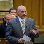 Terrorveszély: Az MSZP még nem szalad a kormány karjaiba