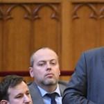 Nem szavazták meg a Trianon-emlékévet a kormánypártok