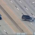 Elég vadnyugati, ahogy az autópályán felborították a bankrablók terepjáróját – videó
