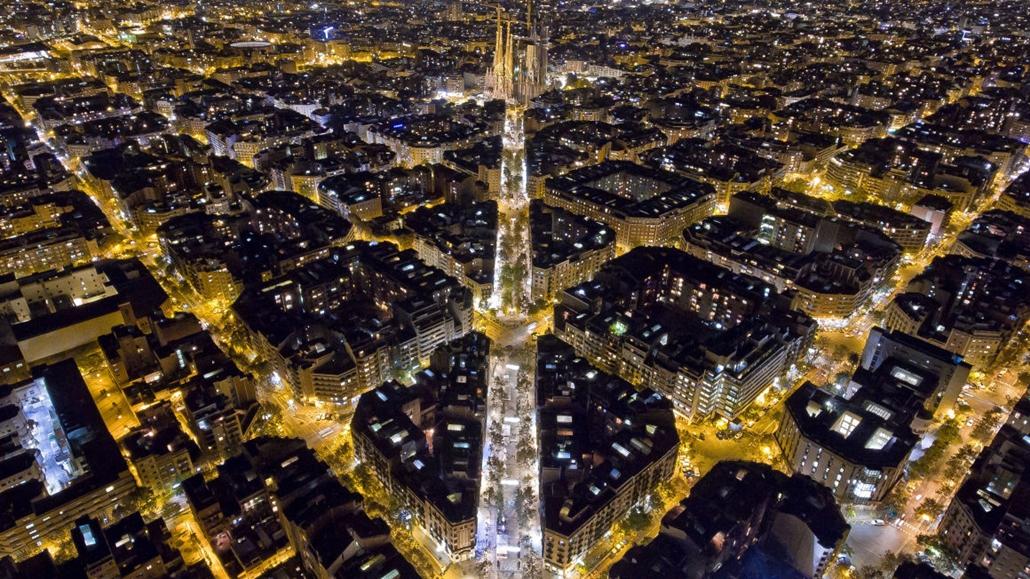 e! - drónfotópályázat Barcelona by night