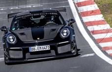 Új rekordot ért el a 700 lóerős és hátsókerék-hajtású Porsche 911 GT2 RS