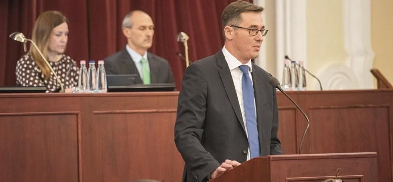 Megszavazták az új parkolási rendeletet és az atlétikai vébét - élőben a Fővárosi Közgyűlésből