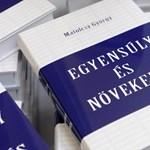 """""""Kivételes konszolidációról"""" írt könyvet Matolcsy"""