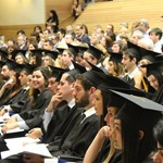 Magyarországon a második legnagyobb a nemek közötti bérszakadék a diplomások körében