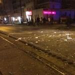 Felrobbant egy budapesti bank – fotók
