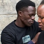 Afrikai szerelmi történet: két év után is tilos a csók