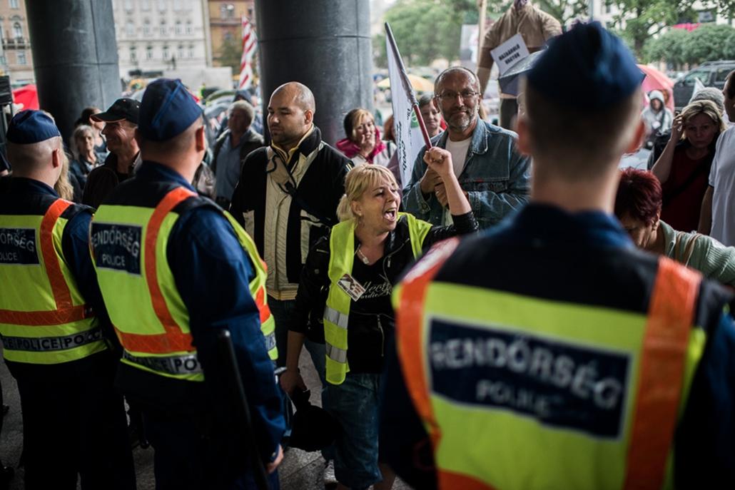Devizahitelesek tüntetése, bankok, demonstráció, 2013.06.25.