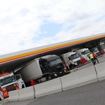 10 ekkora kút elég lenne az országnak: a világ legnagyobb benzinkútján jártunk