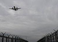 Karambolozott két munkagép a Liszt Ferenc repülőtéren