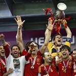 Pihenni mennek a spanyol focirobotok