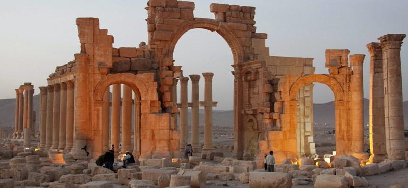 Újabb történelmi műemléket pusztított el az Iszlám Állam