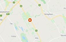 Négy személyautó ütközött Székésfehérvárnál