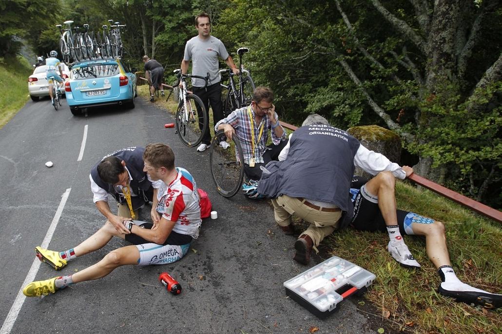 Tour de France 2011 - Nagyítás - A nagy bukások egyike a 9. szakasz alatt: Frederik Willems és David Zabriskie