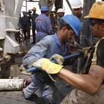 A nagy OPEC-pókeren is múlik, mennyiért tankolunk jövőre