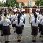 Felvételi 2012: mi az a közszolgálati ösztöndíj?