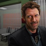 A robotzsaru ellen küzdhet Hugh Laurie