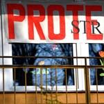 Felfüggesztik a lengyel pedagógussztrájkot - szeptemberig adnak időt