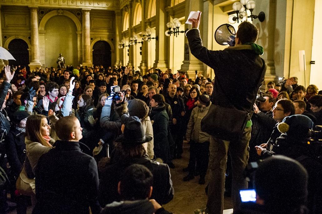 Hallgatói Hálózat tüntetés, egyetemfoglalás, Elte, Haha